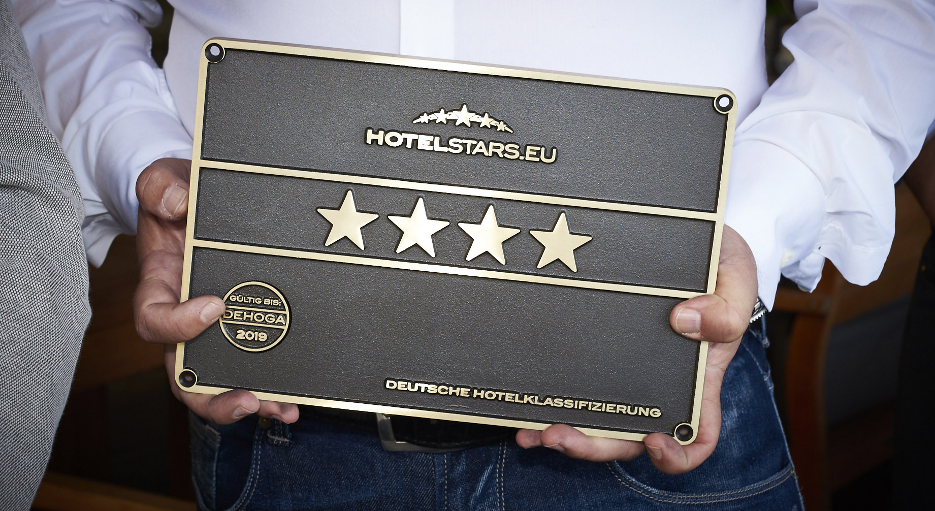 Finding the right business hotel: Can one rely on star ratings?